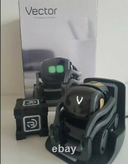Anki Vector Robot Robotic Companion & Cube Charger Boîte Alexa Vgc