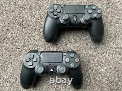 Sony Playstation 4 1tb Pro Avec 2 Contrôleurs (ps4 Pro Noir) Mint Condition